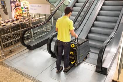 Treppen-/Rolltreppenreiniger