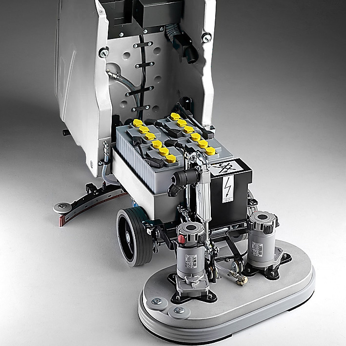 Eyltool M610 Scheuersaugmaschine mit Fahrantieb