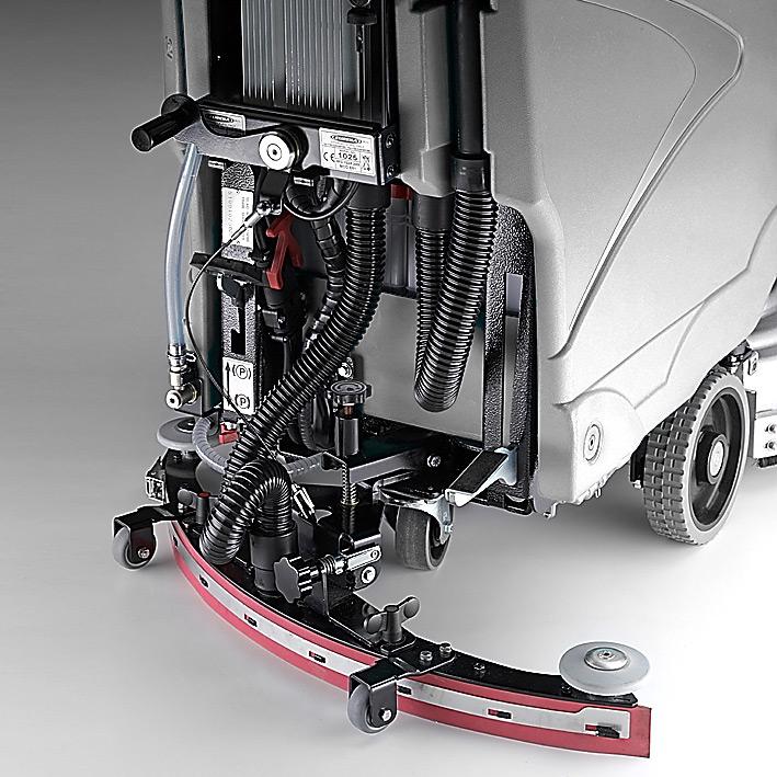 Eyltool M810 Trac Scheuersaugmaschine mit Fahrantrieb